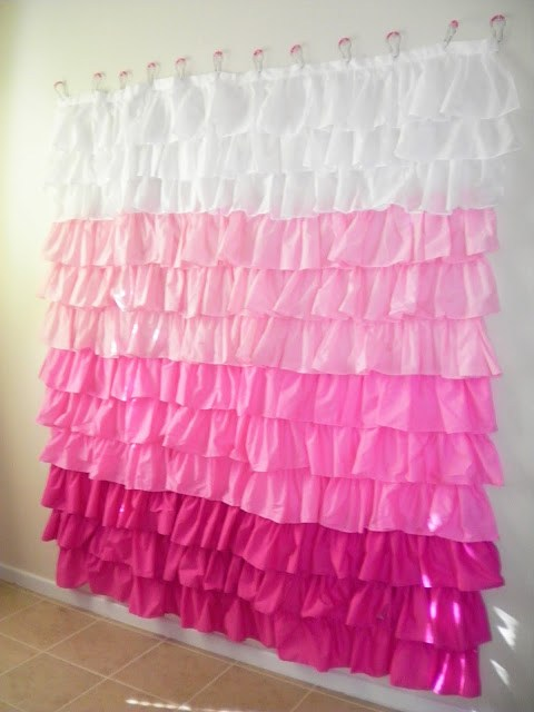 Blog resources 55 awesome diy photography backdrops for Paper curtains diy