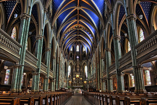 A Comprehensive Guide to Photographing Churches, Cathedrals, and Castles