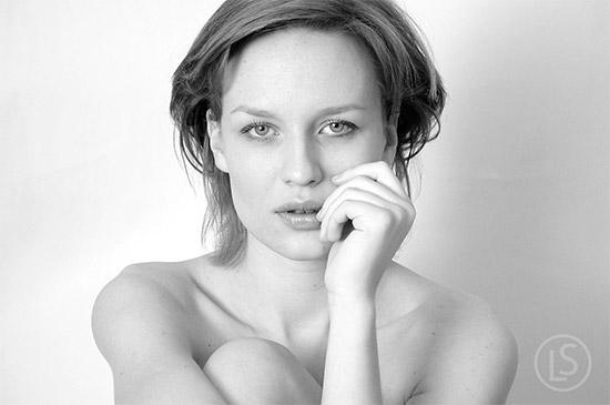 25 Beautiful Black & White Portraits