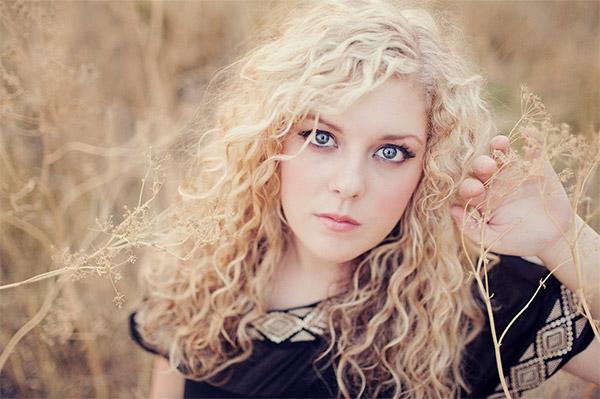Senior Photography Poses for Girls